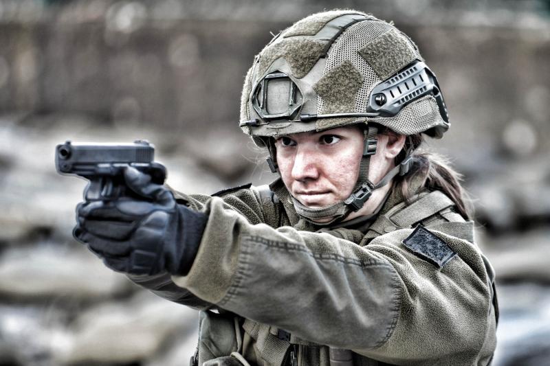 0119_SoldatinmitPistole_markus_koppitz